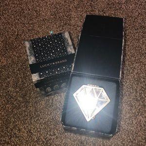 Gemstone diamond gold jewelry box with latch